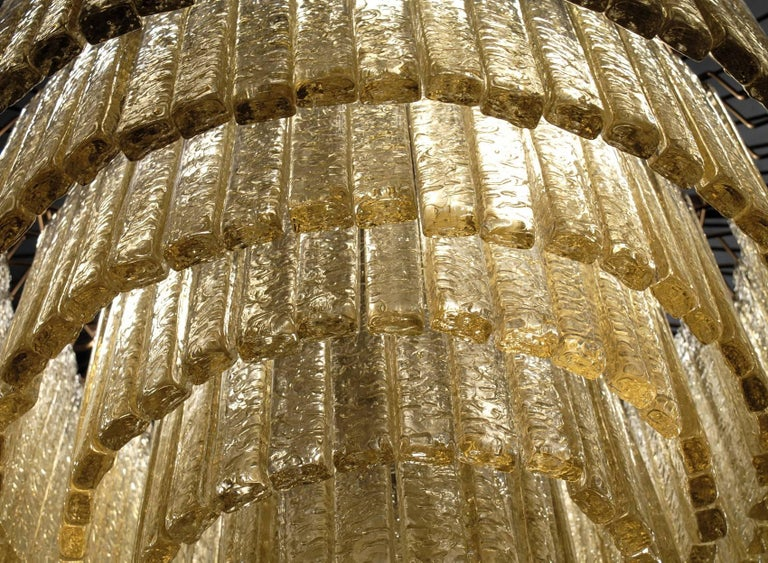 Round Nine Tiers Chandelier, 380 Murano Fume' Glass, 1990s, Metal Ring In Good Condition For Sale In Tavarnelle val di Pesa, Florence