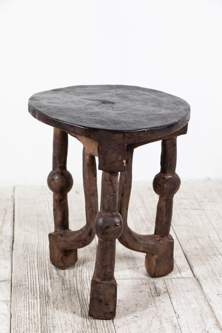 Round African Stool from Mali In Good Condition For Sale In Los Angeles, CA