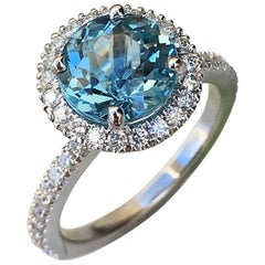 Round Amazing Blue Aquamarine with Diamond Halo Ring 18 Karat White Gold
