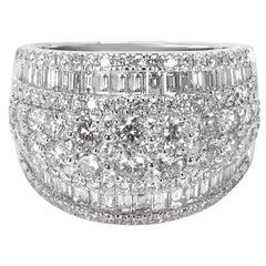 Round and Baguette Diamond Cocktail Ring in 14 Karat White Gold 3.00 Carat
