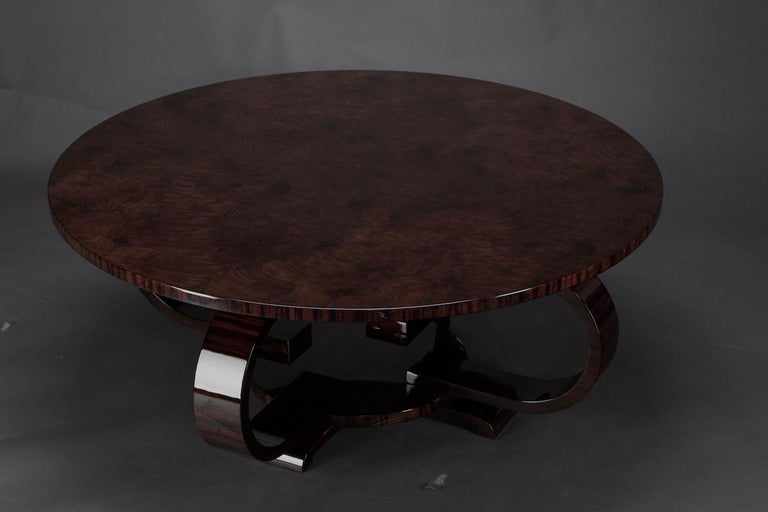 Round Art Deco French Coffee Table in Walnut For Sale 1