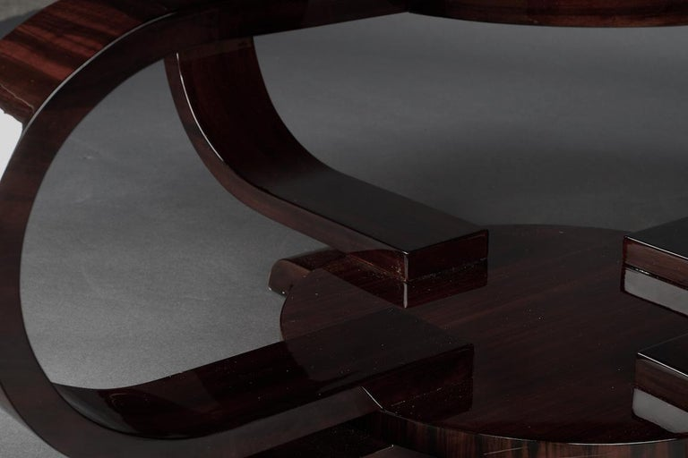 Round Art Deco French Coffee Table in Walnut For Sale 4
