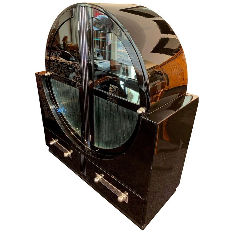 Round Art Deco Vitrine, Black Lacquer and Chromed, France, circa 1930 For Sale