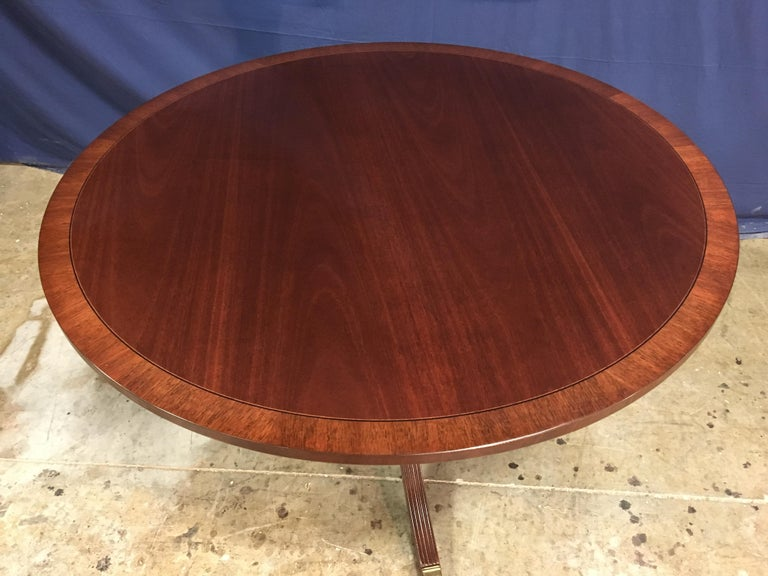 Round Banded Mahogany Georgian Style Accent Foyer Table by Leighton Hall In New Condition For Sale In Suwanee, GA