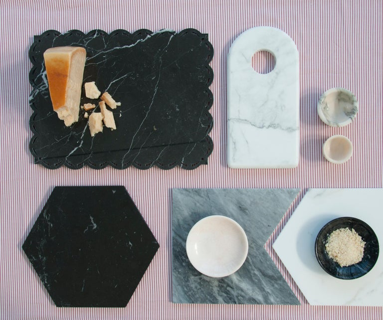Contemporary Round Black Marble Cheese Plate For Sale