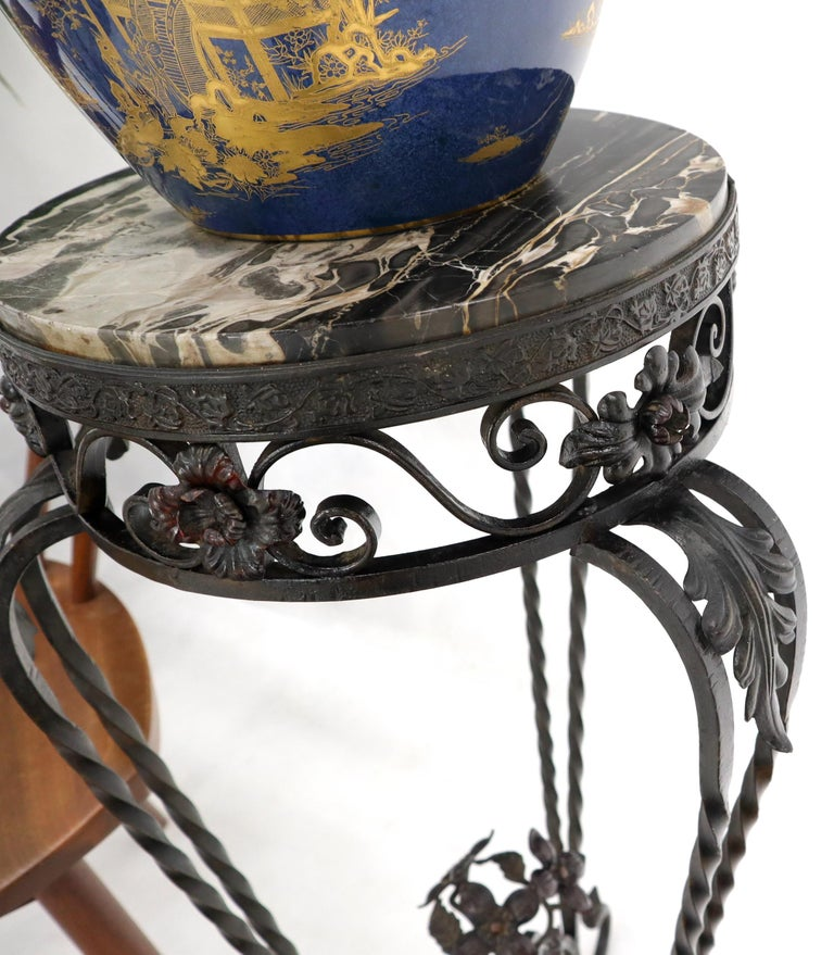 Round Black & White Marble Top Wrought Iron Pedestal Stand Table For Sale 1
