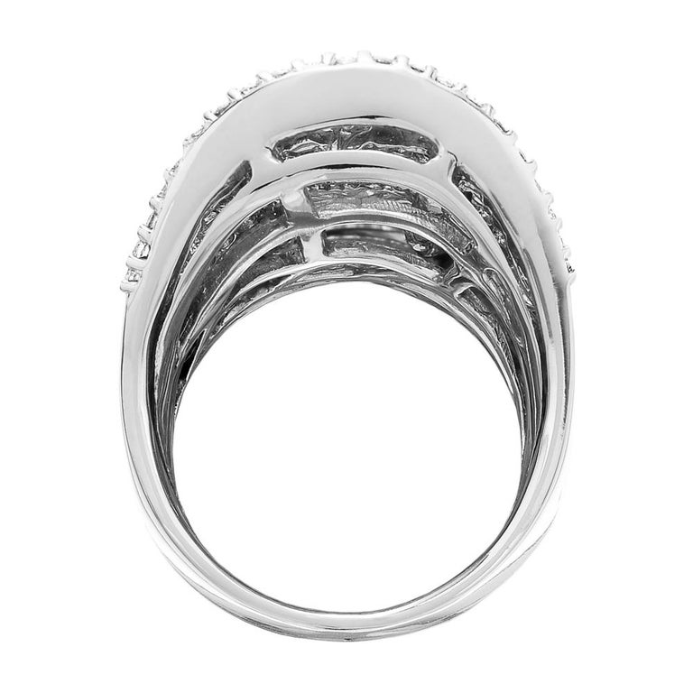 Round Brilliant & Baguette Cut Diamond 3.7 ct Heavy Solid Ring, 18 ct White Gold For Sale 5