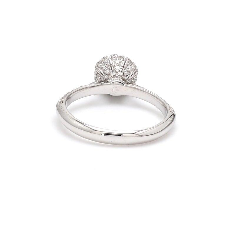 Contemporary Round Brilliant Cut Diamond 18 Karat White Gold Wedding Ring For Sale