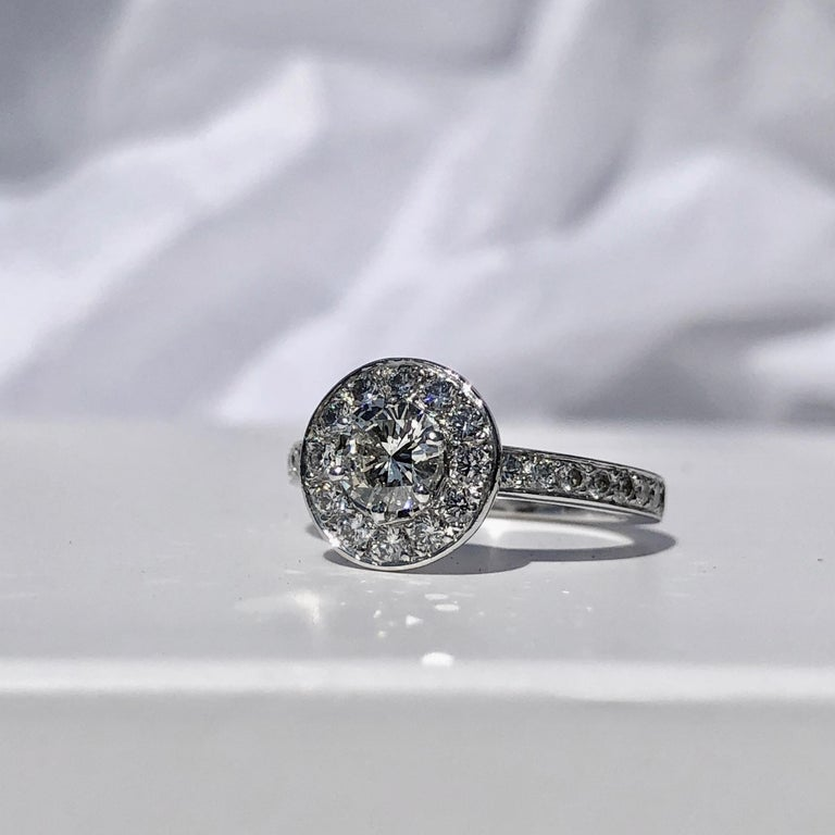 Women's or Men's Round Brilliant Cut Diamond Halo Engagement 18k White Gold 1.20ct Ring  For Sale