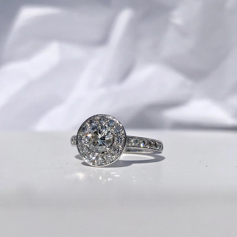 Round Brilliant Cut Diamond Halo Engagement 18k White Gold 1.20ct Ring  For Sale 1