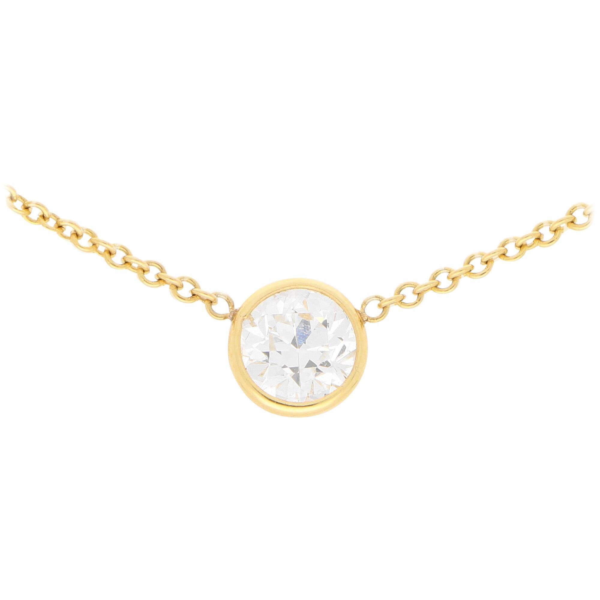 Round Brilliant Cut Diamond Single Stone Pendant in 18 Karat Yellow Gold
