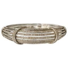 Round Brilliant Diamond Bangle in 18 Karat White Gold