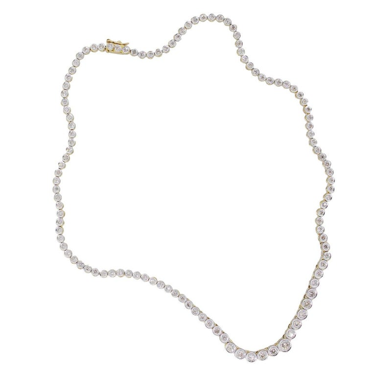 Round Cut Round Brilliant Diamond Graduated Tennis Necklace For Sale