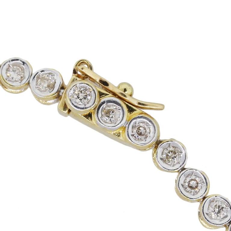 Round Brilliant Diamond Graduated Tennis Necklace In Excellent Condition For Sale In Boca Raton, FL