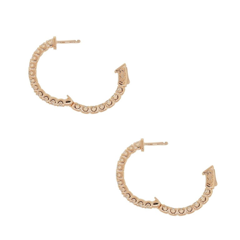 Round Brilliant Diamond Inside Out Hoop Earrings In New Condition For Sale In Boca Raton, FL
