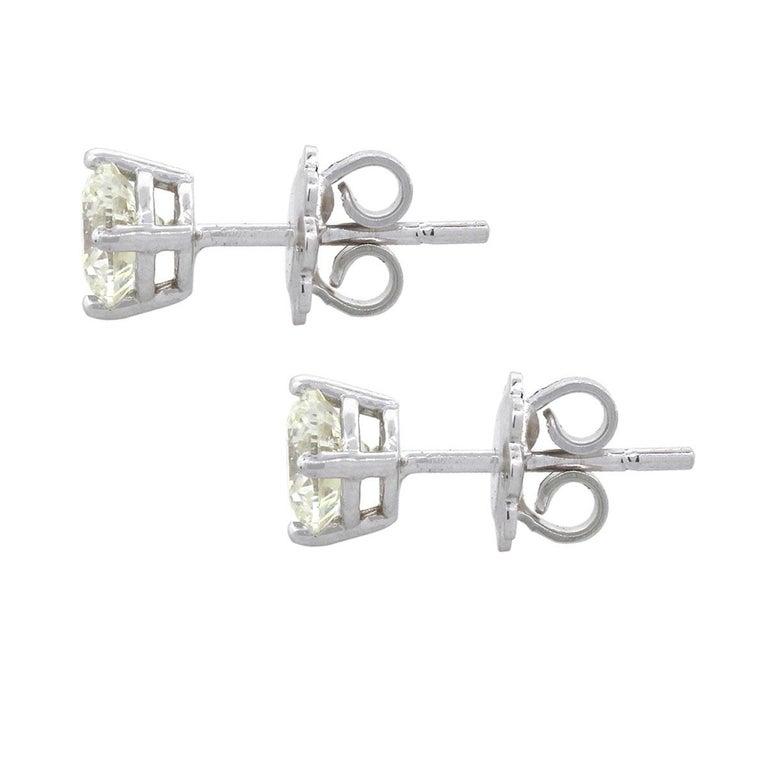 Round Brilliant Diamond Studs In Excellent Condition For Sale In Boca Raton, FL