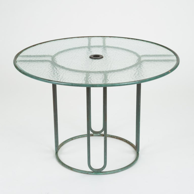Hammered Round Bronze Patio Umbrella Dining Table by Walter Lamb for Brown Jordan For Sale