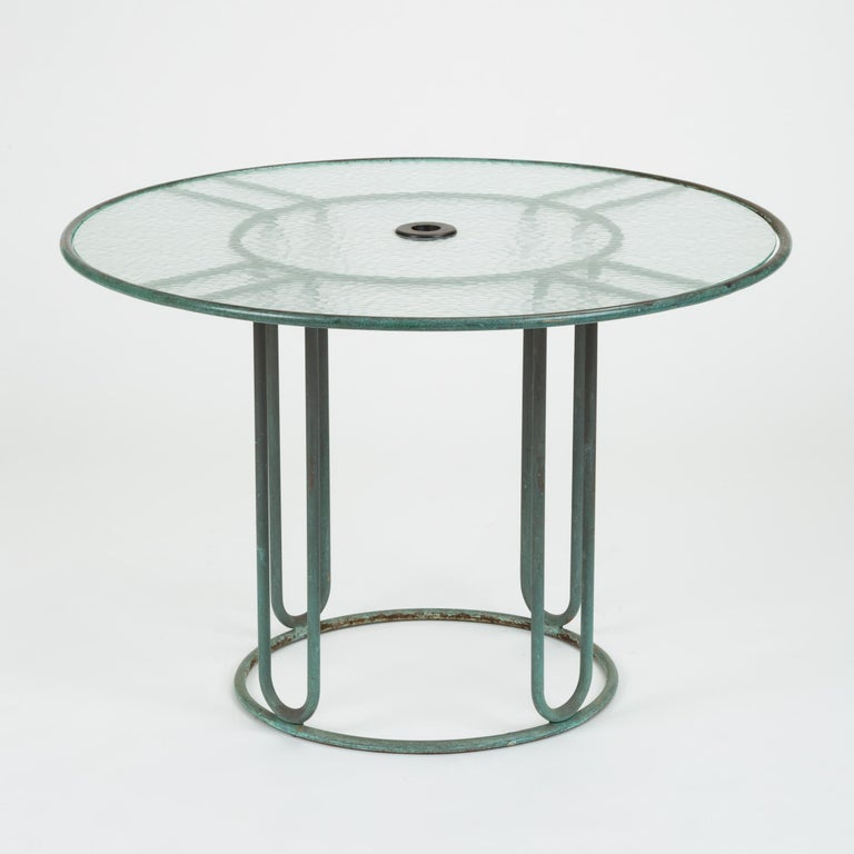 20th Century Round Bronze Patio Umbrella Dining Table by Walter Lamb for Brown Jordan For Sale