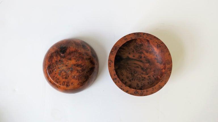 Round Burl Trinket or Jewelry Box For Sale 2