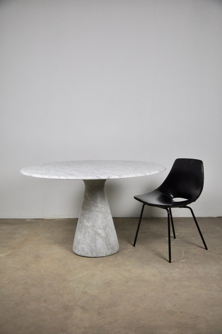 Mid-Century Modern Round Carrara Marble Dining Table by Angelo Mangiarotti, 1970s For Sale