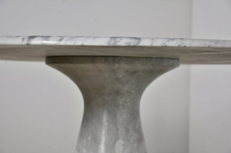 Round Carrara Marble Dining Table by Angelo Mangiarotti, 1970s In Good Condition For Sale In Lasne, BE