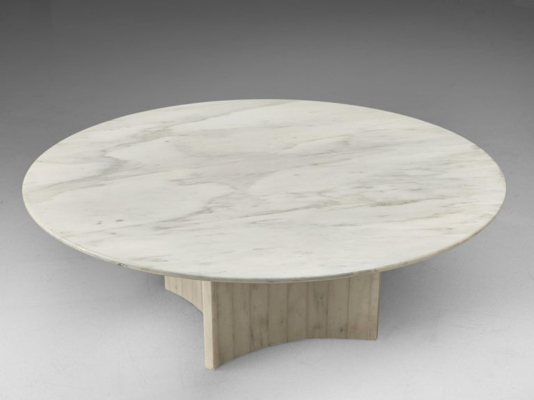 Italian Round Coffee Table in Marble For Sale