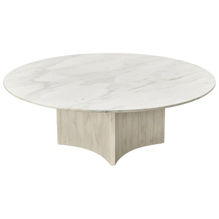 Round Coffee Table in Marble For Sale
