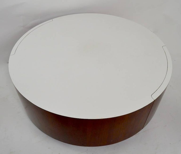 Mid-Century Modern Round Coffee Table with Two Drawers after Baughman For Sale