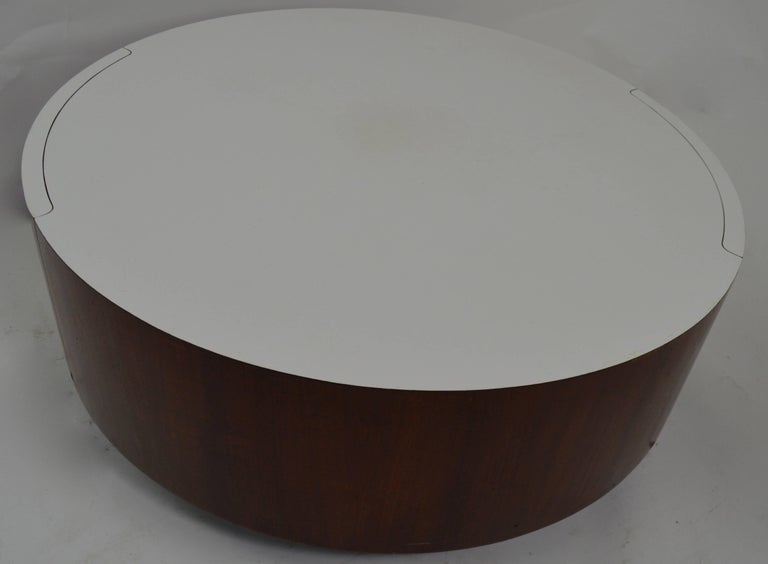 Round Coffee Table with Two Drawers after Baughman For Sale 1