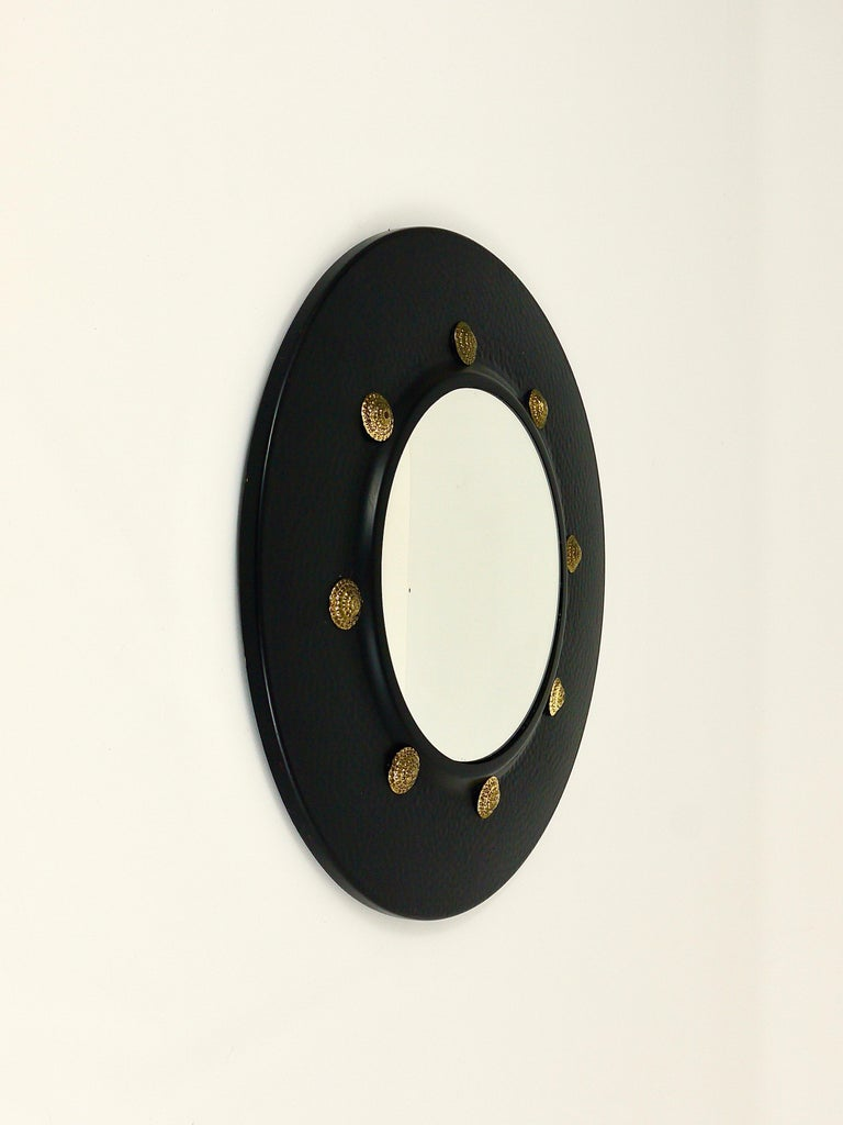 Round Convex Brass Mirror in the style of Piero Fornasetti, Italy, 1960s For Sale 2