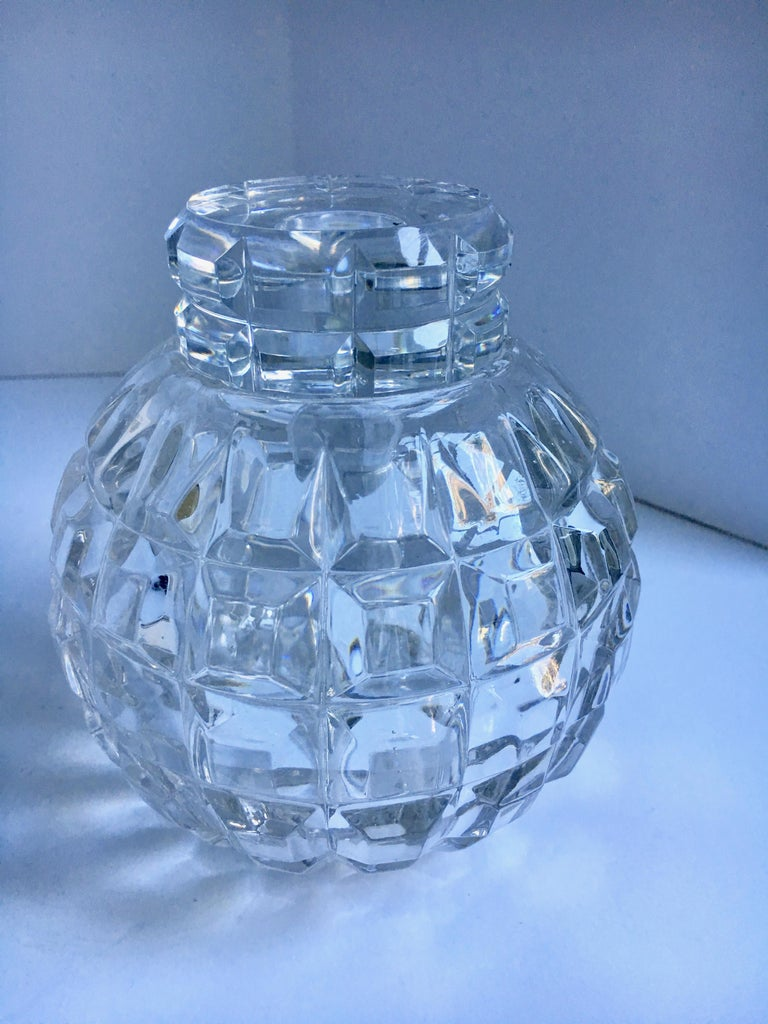 Round Cut Crystal Decanter For Sale 2
