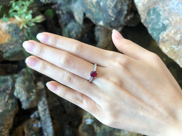 Round Cut Round-cut ruby with Diamond Ring Set in 18 Karat White Gold Settings For Sale
