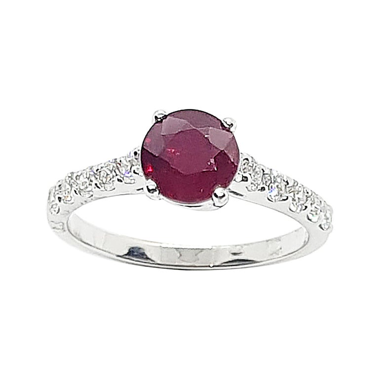 Round-cut ruby with Diamond Ring Set in 18 Karat White Gold Settings For Sale