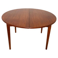 Round Danish Teak Dining Table with Two Leaves, circa 1960s