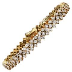 Round Diamond 18 Karat Gold Flexible Polished Link 1980s Bracelet