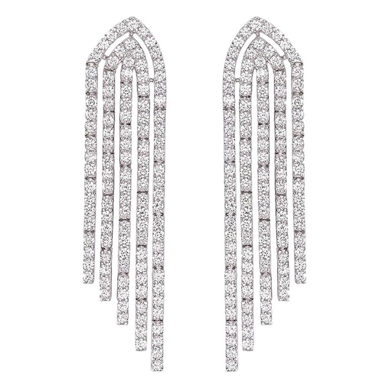 Round Diamond Chandelier Earrings 3.34 Carat in 18 Karat Gold IGI Certified For Sale