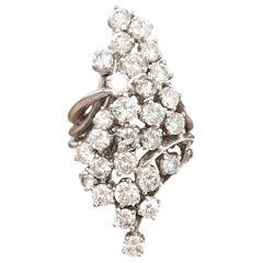 Round Diamond Cluster Ring in 18 Karat White Gold