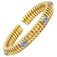 Round Diamond Flexible Spiral Cuff Bracelet in 18 Karat Yellow Gold