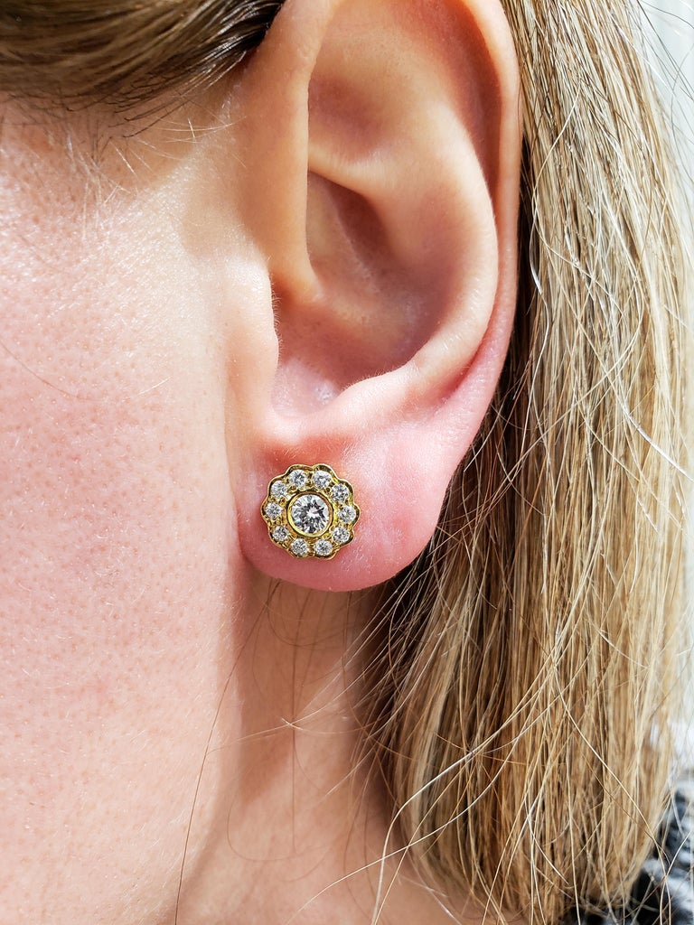 Round Diamond Yellow Gold Flower Earrings For Sale 2