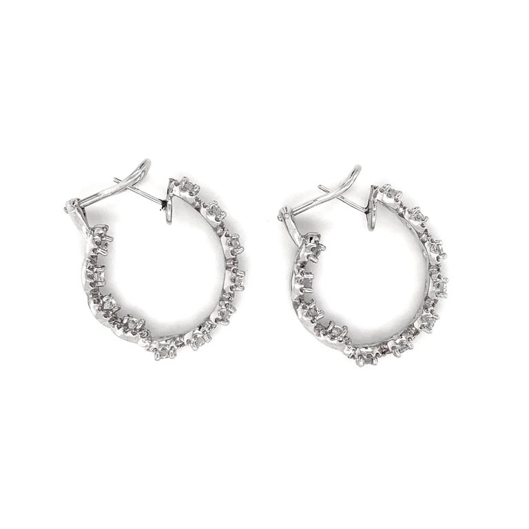 Round Diamonds 7.23 Carat Half Loop 18 Karat Gold Earrings In New Condition For Sale In New York, NY