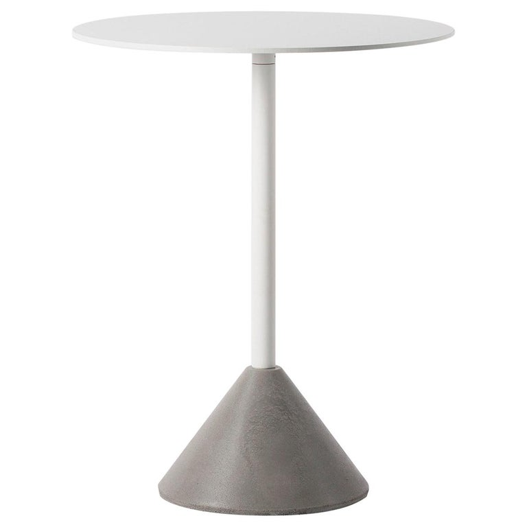 Round Dining Table 'DING' Made of Concrete and Aluminum 'White' For Sale