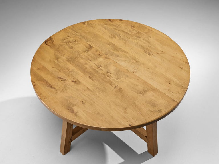 European Round Dining Table in Pine For Sale