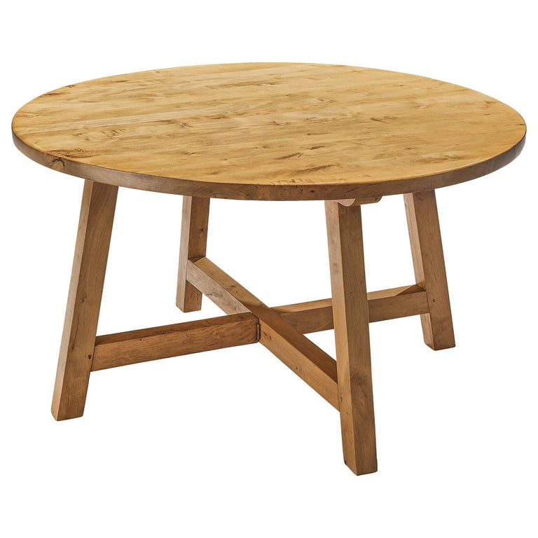 Round Dining Table in Pine For Sale