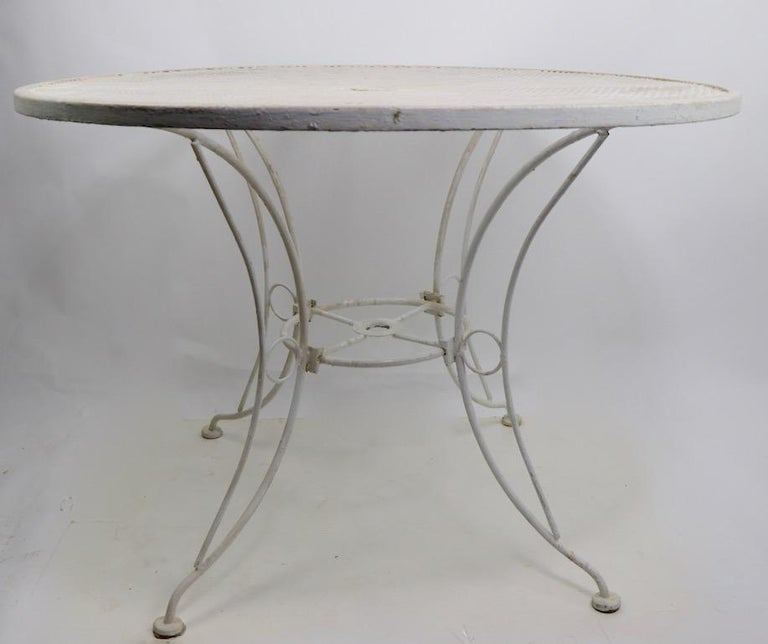 Mid-Century Modern Round Garden Patio Wrought Iron Dining Table For Sale