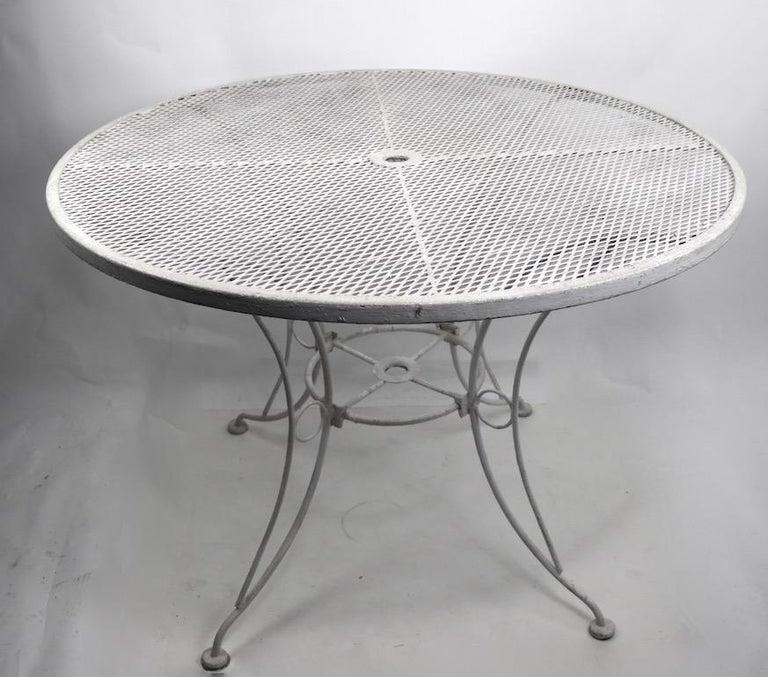 Wrought Iron Round Table.Round Garden Patio Wrought Iron Dining Table