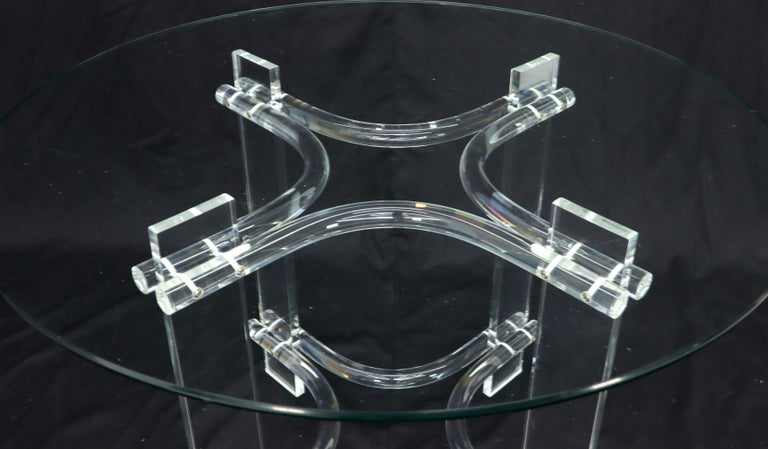 20th Century Round Glass Top Lucite Base Dining Dinette Table For Sale