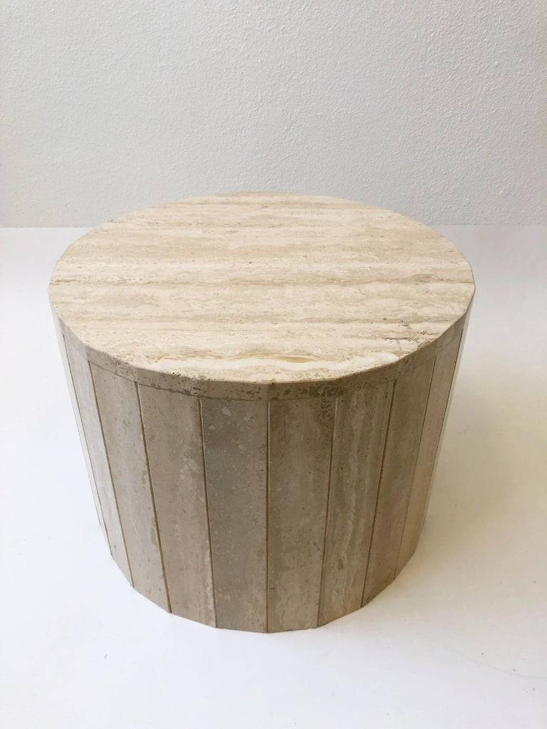 Modern Round Italian Travertine Coffee Table in the Manner of Willy Rizzo
