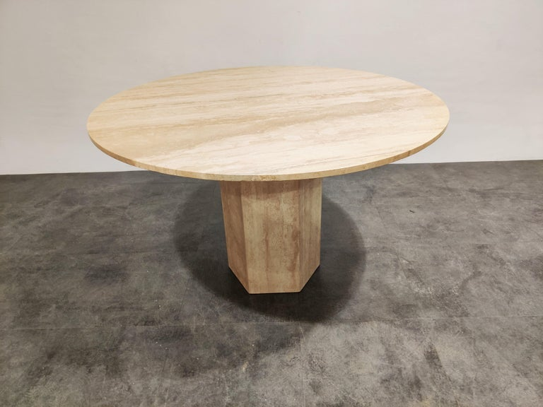 Mid-Century Modern Round Italian Travertine Dining Table, 1970s For Sale