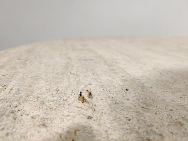 Round Italian Travertine Dining Table, 1970s For Sale 2