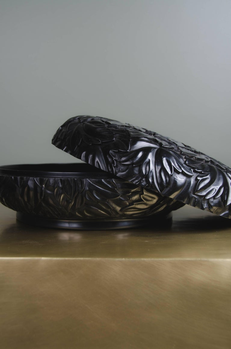 Round Leaf Design Box, Black Lacquer by Robert Kuo, Limited Edition, in Stock For Sale 1